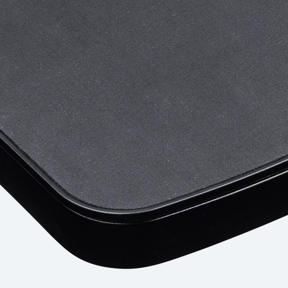 手触りがいい布製のマウスパッド