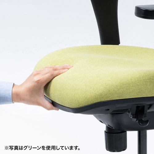 背面と座面に高反発モールドウレタン採用