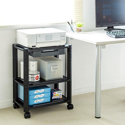 3段式のプリンター台です。用紙や小物が収納できる引き出しやキャスター付きです。 高さや段数を変更できるのでおしゃれなマルチラックとしても使えます。