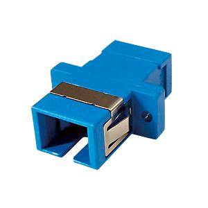 光ファイバケーブルを簡単に延長可能な光アダプタ。SCコネクタ-SCコネクタ。